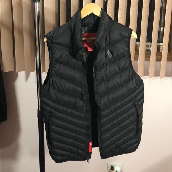 Pez anémona flotante Tractor  Nike Jackets & Coats | Men Nike Black Vest Medium | Poshmark